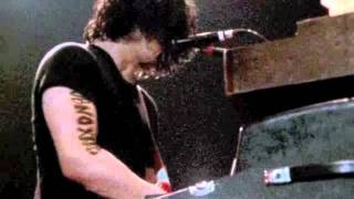The White Stripes - Under Blackpool Lights - 15 Truth Doesn't Make A Noise