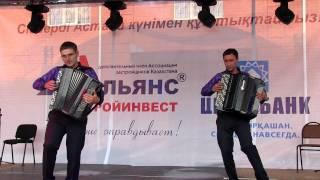 Шоу-дуэт Encanto поздравил жителей и гостей столицы