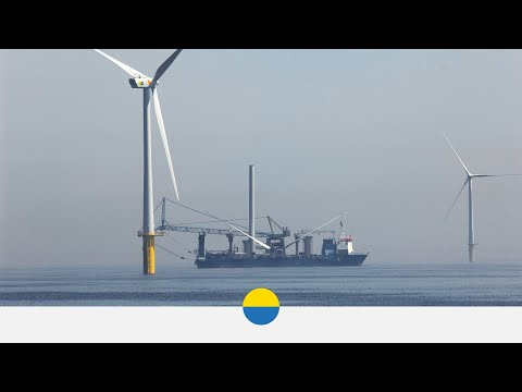 Time-lapse installation of turbine at Vattenfall's EOWDC wind farm