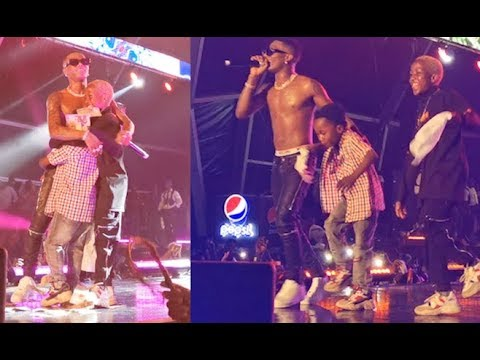 The Small Boys Wizkid Brought On Stage To Dance With Him Killed His Show At Starboy Fest Lagos