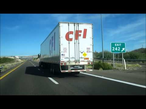 Con-Way Trucking with a CFI Trailer in the Arizona Desert, Camion