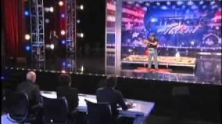 حركه رائعه صفقوا لها الجمهور والحكام بحراره America Got Talent