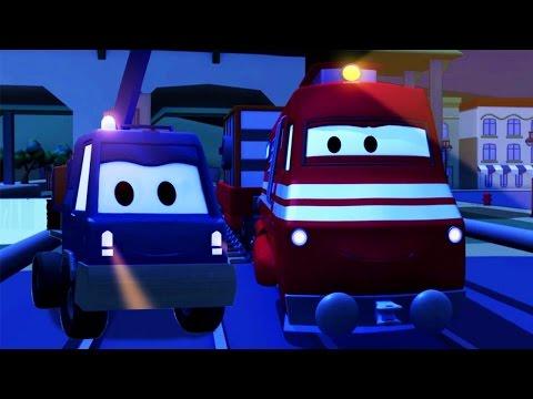 Troy le Train et Chuck le Camion Elevateur à Car City   Dessin animés pour enfants