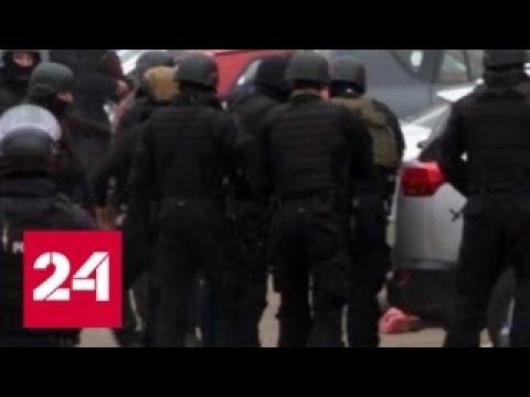 На севере Косово строят баррикады - Россия 24