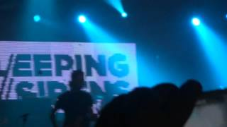 "Sleeping with Sirens - ""Kick me"" and ""Do it now remember it later"" (in México)"