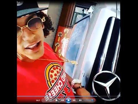 Jon Z Repartiendo Pizza En Su Mercedes Benz Youtube