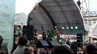 Video Sakitnya tuh disini FITRI CARLINA live taipe(taiwan) download MP3, 3GP, MP4, WEBM, AVI, FLV Oktober 2017