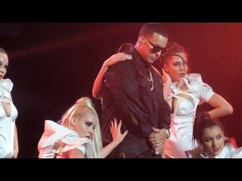 Daddy Yankee - LIVE- Performing - Sígueme y Te Sigo - MSG