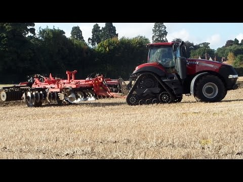 Case Magnum Rowtrac Cultivating