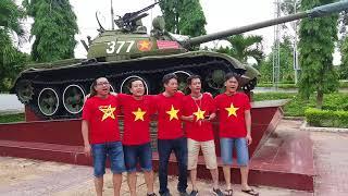 Hát 5 anh em trên một chiếc xe tăng, cạnh xe tăng 377 trận Đắc Tô Tân Cảnh