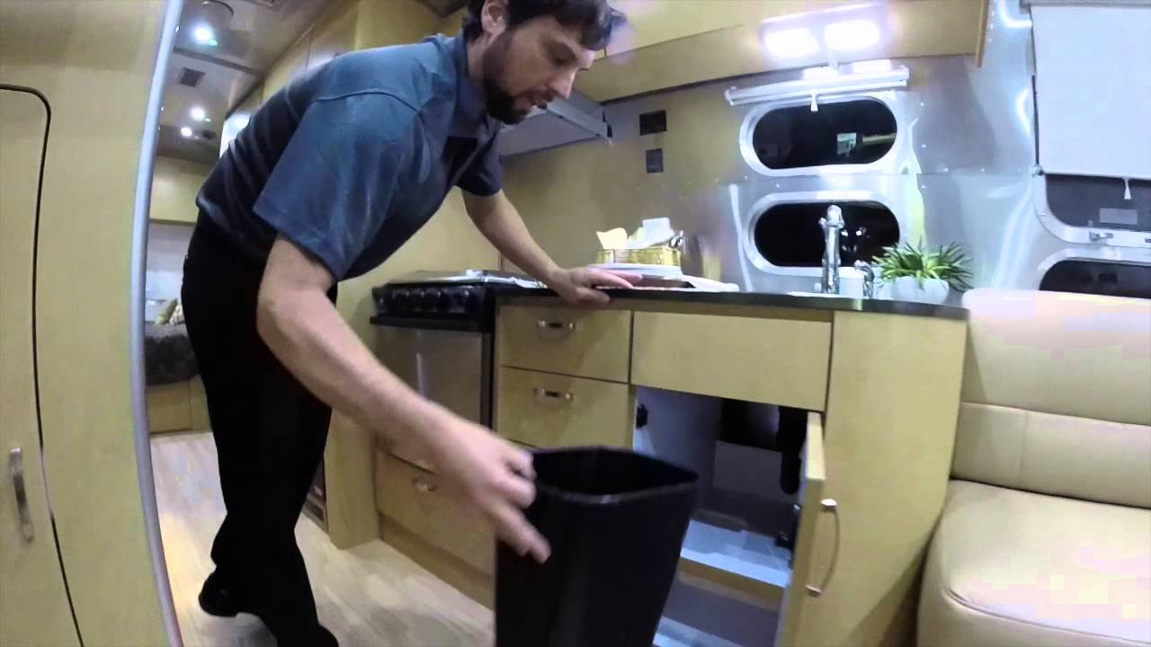 Simple 2016 Airstream 26U Flying Cloud Travel Trailer Announce... | Doovi