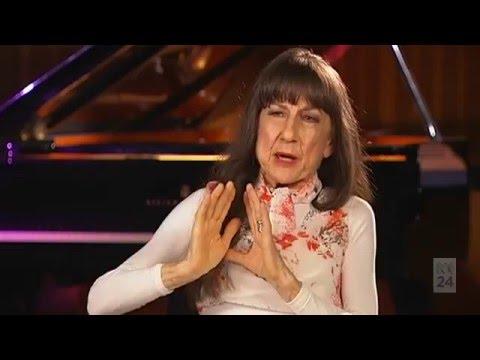 Judith Durham - One Plus One Interview