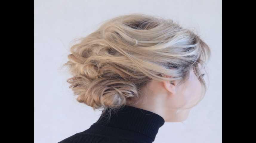 Mon tuto pour réaliser un joli chignon bohème comme coiffure de Noël - YouTube