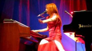 Tori Amos - Strong Black Vine Live @ Lotto Arena Antwerp 4 oktober 2009