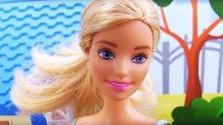 Барби залезла на крышу дома - Видео для девочек