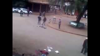 Kenya Police Finishes Off a Robber Who Was Shot But Didn