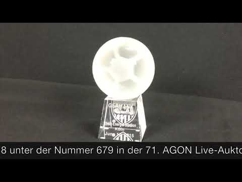 agonaukton-objekt-679-glasskulptur-germany-vs-usa-rheinenergiestadion-koeln-june-102015