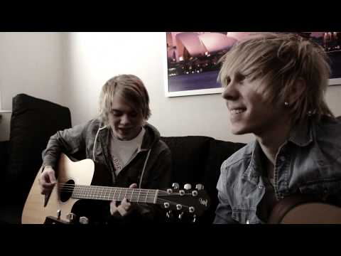 Chris Brown - Turn Up The Music Sam&Adam From dot SE (Cover) Fortune!