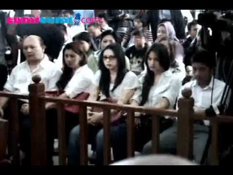 Putri Anak Ari Sigit Terancam 15 Tahun Penjara - cumicumi.com