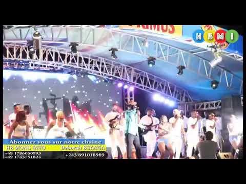CAMERA CACHEE LES IMAGES INEDITES MAKAMBU FALLY NA BA FAN BASALAKI EN PLEIN CONCERT