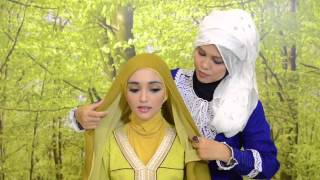 Tutorial Make Up Hijab bersama Sariayu Martha Tilaar dan Kashkha  (2)