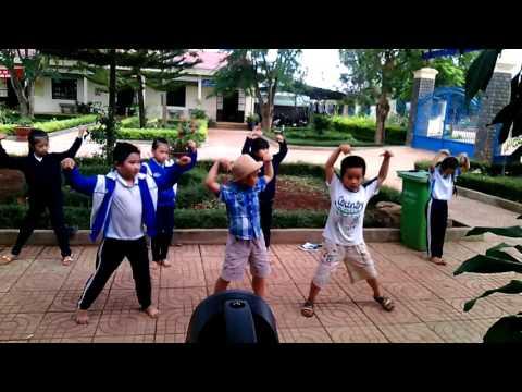 HOC SINH 3A THST 2015