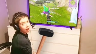 KID SMASHES $3000 TV AFTER MOM TURNS OFF WIFI.. (Fortnite)