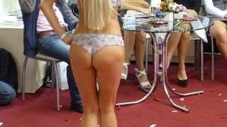 ����� � ������ (dancing in bikini) Lingerie expo 2013 ����� ������� �����