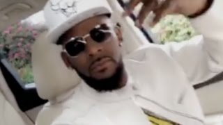"""DJ Khaled """"Pulls Up On R Kelly While Flexing His Piano Skills"""""""
