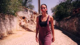 Mariana Rodrigues - Um Contra o Outro (Deolinda)