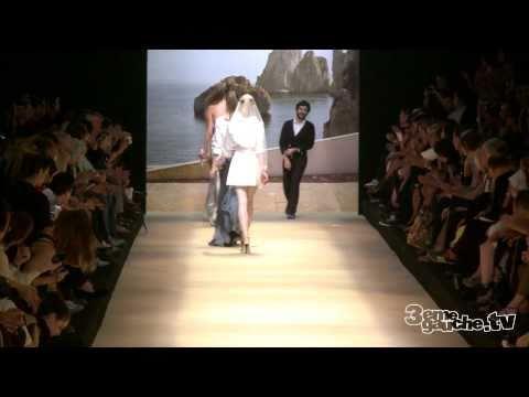 Défilé Alexis Mabille Femme / Printemps été 2011 / Fashion Week Femme Septembre Octobre 2010
