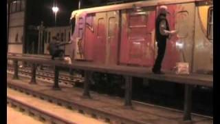 DIAS UHT - Yellow subway - WC action