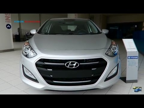 2017 Hyundai i30 Exterior and Interior