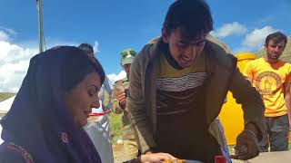 Reham Khan leaves nothing for others to Eat l #MyPakistan