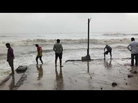 High tide time I n Juhu beach