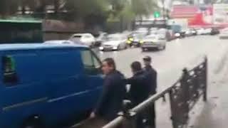 В Бишкеке из-за мусора в арыках затопило несколько улиц