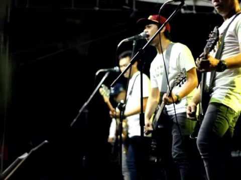 CLOSEHEAD - Berakhir Dengan Senyuman( Live at STIE EKUITAS Bandung)
