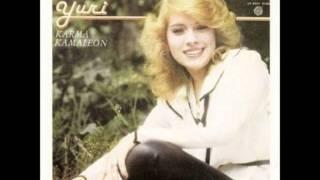 Del albúm Karma Kamaleón editado en 1984, Yuri interpreta No sé que...