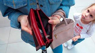 Ева в сборнике лучших видео про магазин игрушек