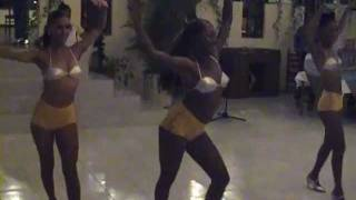 Download Video Sexy Girls of Havana in the hot Cuban rhythms MP3 3GP MP4