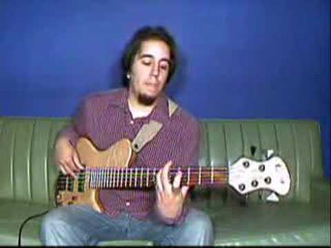 Free Gospel Bass Lessons - Ivan Santiago - C Minor Bass Run # 1 -  GospelMusicians com