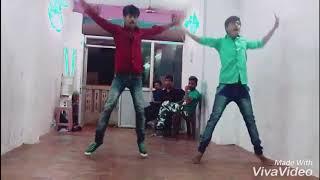 GUNDELOPALLO NEE CHITRAM DHACHESI SONG DANCE PERFORMANCE BY MUNNA MASTER AND CO,