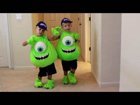 Download Youtube: Kids 72 Costume Runway Show