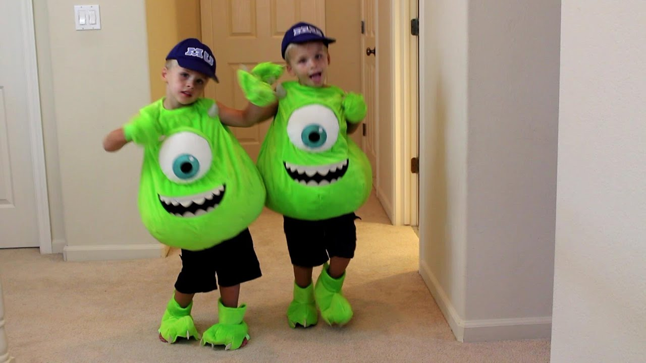 Kids Costume Runway Show YouTube - 73 awful halloween costumes youve ever seen