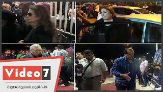 """بالفيديو.. يسرا وسميحة أيوب وفلوكس فى عزاء """"حسن مصطفى"""""""
