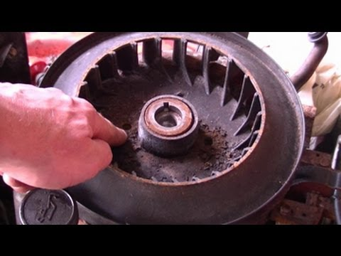 How To Remove The Flywheel On a Lawn Tractor with Briggs & Stratton Engine