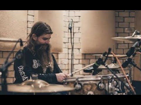 "As I Lay Dying in the studio - Ozzy 3D vinyl album - A7X ""Breakdown"" series - Halestorm video"