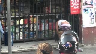 Pelea de mujeres shucas (Mercado el Guarda).mp4