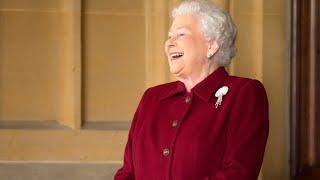 Скачать Queen Elizabeth II Funny Moments