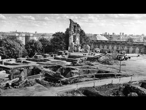 Zamek 50 lat odbudowy